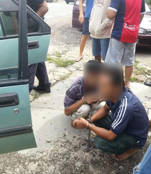 Dua lelaki yang cuba melarikan diri selepas melanggar motosikal warga emas.